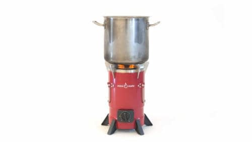 Mim-01_-_stove_with_pot_2