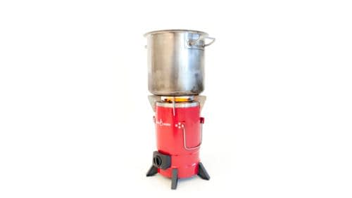 Mim-01 - stove with pot 1 (3760x2120)