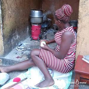 27--Kampala-Uganda,-Mimi-Moto-cooking